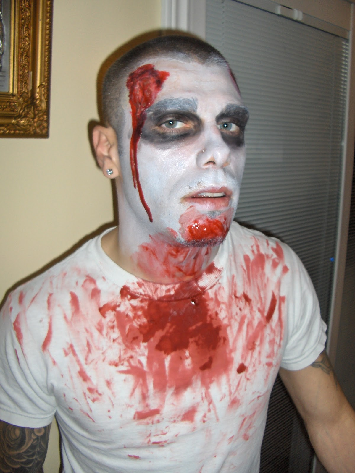 Taylor swift makeup: simple zombie makeup ideas