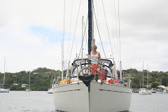 Picking up a mooring in Nieafu