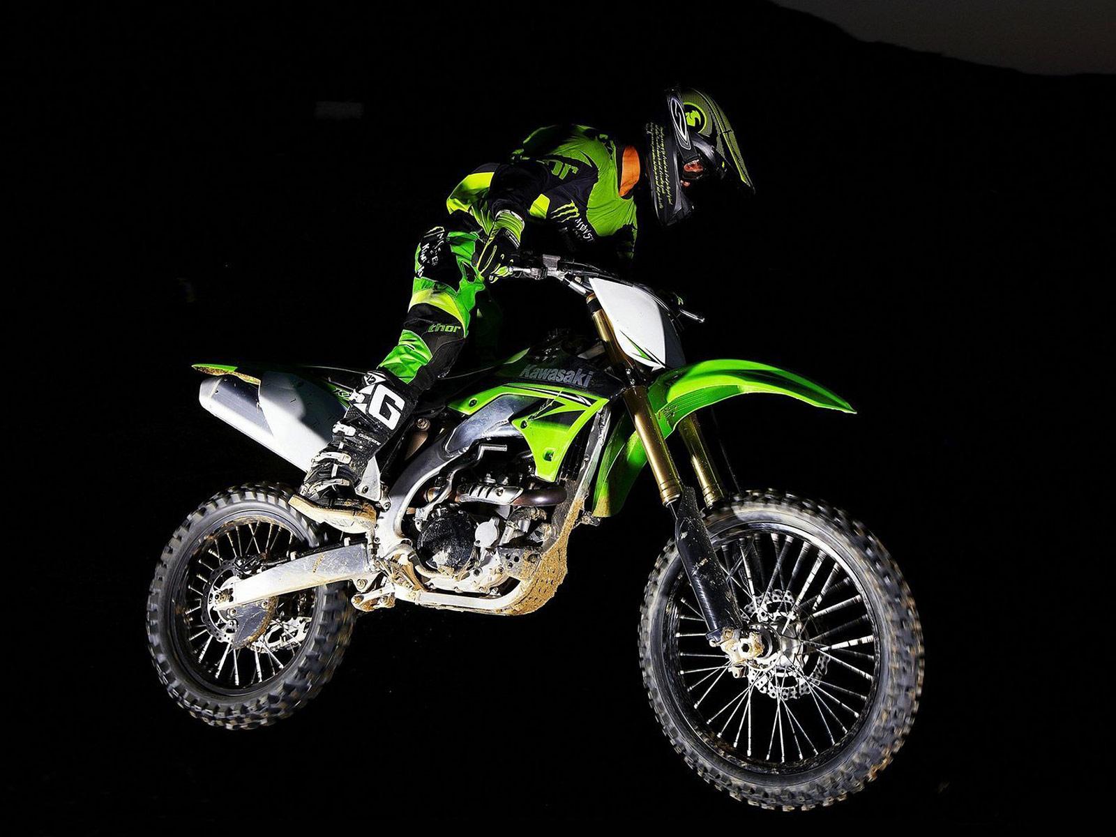 http://3.bp.blogspot.com/_St8PvhYLC4c/S8yOT7ctRdI/AAAAAAAACHc/uRe5gnDC46g/s1600/Kawasaki_KX450F-Monster-Energy_2010_7.jpg