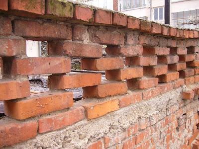 Yambolian Saving Bricks and Mortar