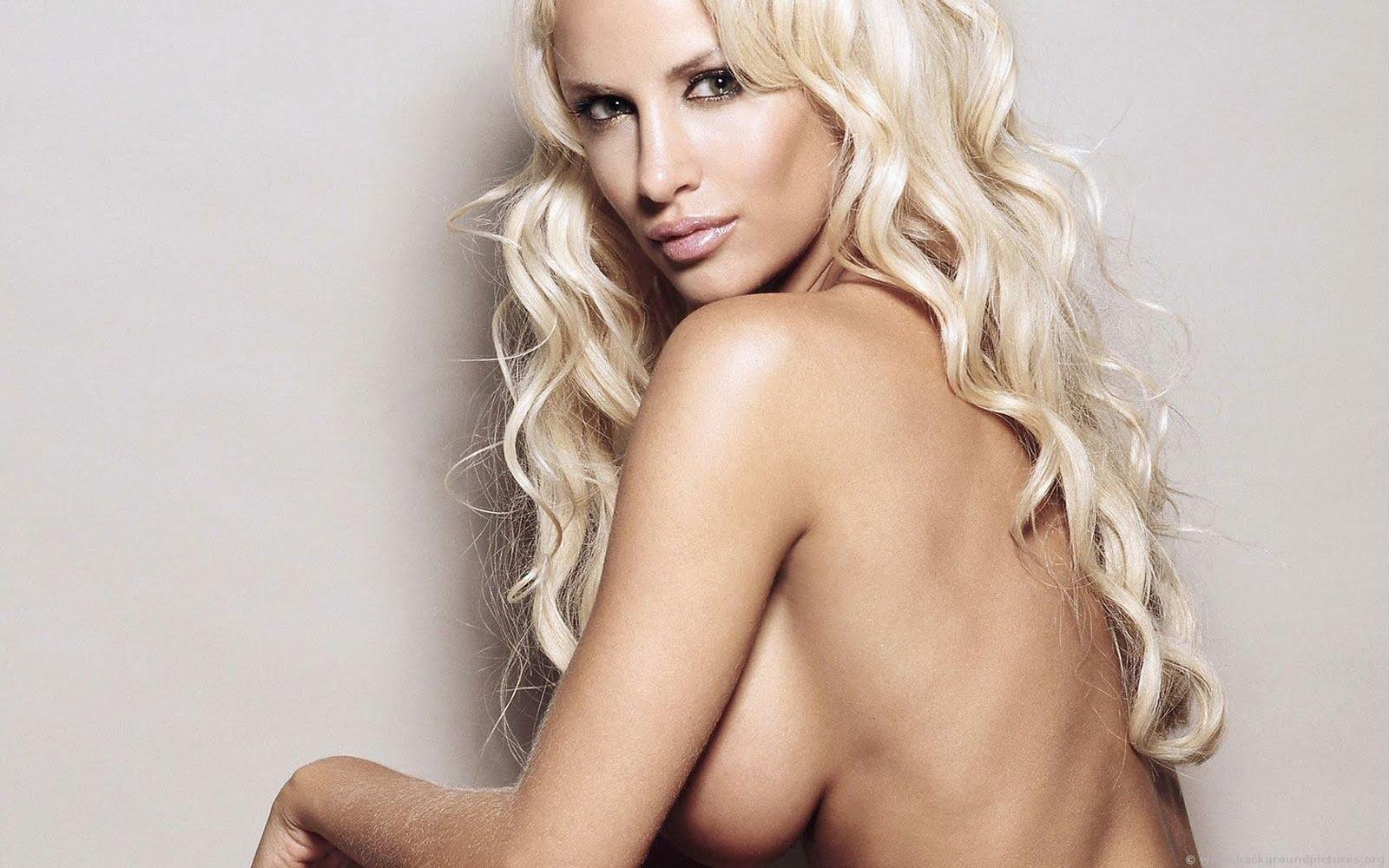 http://3.bp.blogspot.com/_Sxh0usZ8xvs/THGLdzZcviI/AAAAAAAAA2I/XW6aILnH_BM/s1600/luciana_salazar.jpg