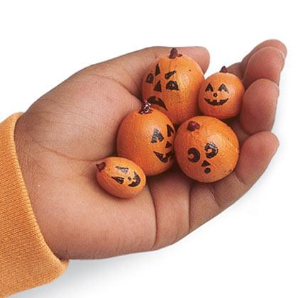 Saving simple acorn crafts - Acorn and chestnut crafts ...