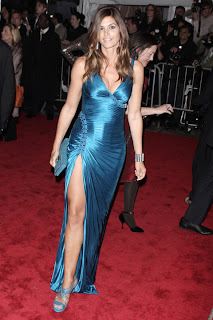 Cindy Crawford at Metropolitan Museum of Art Costume Institute Gala 2009