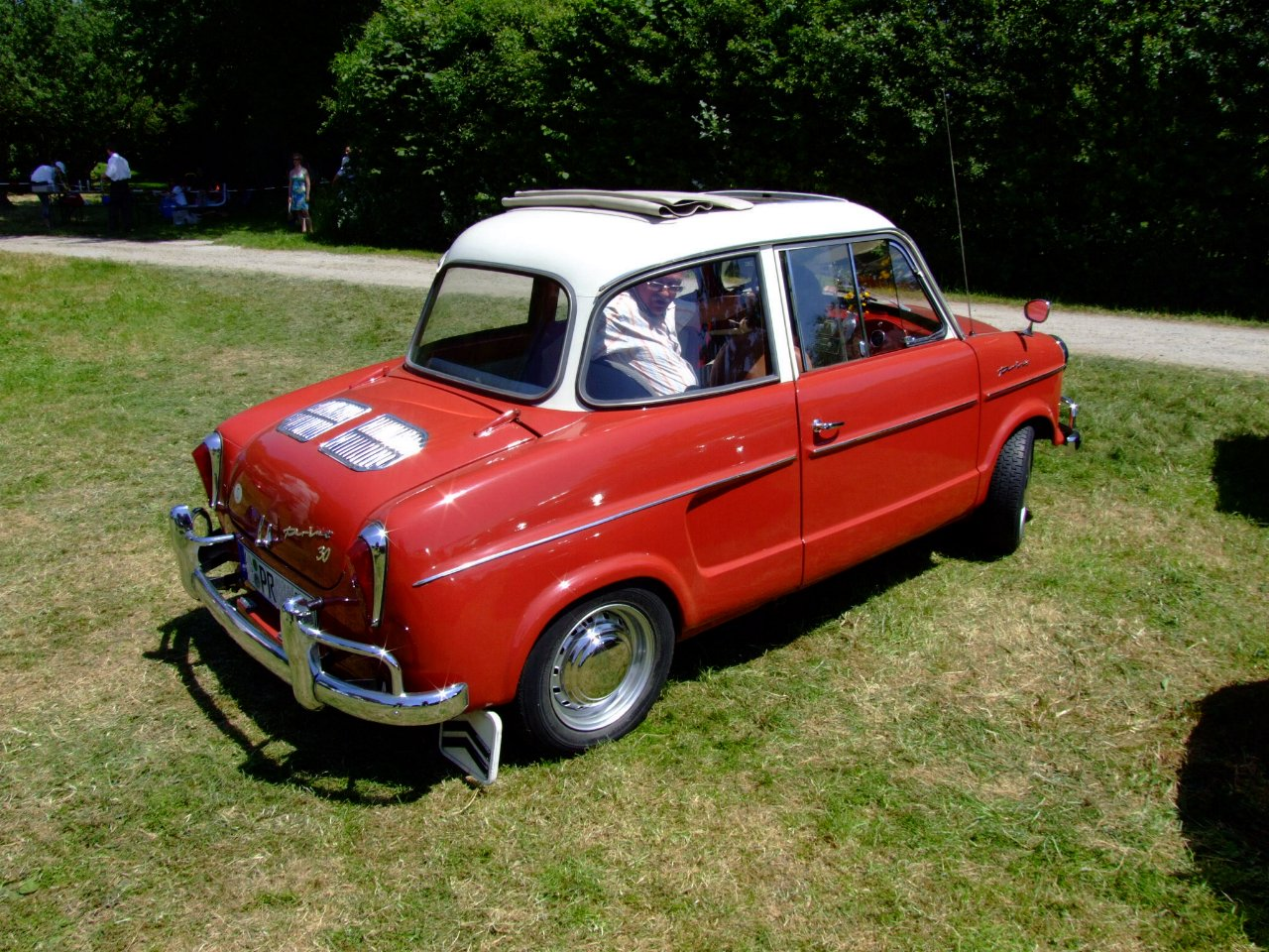 His last car before heading back to the New World was a 1960 NSU Prinz 30, ...