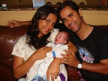 Minha filha , meu genro e meu netinho.