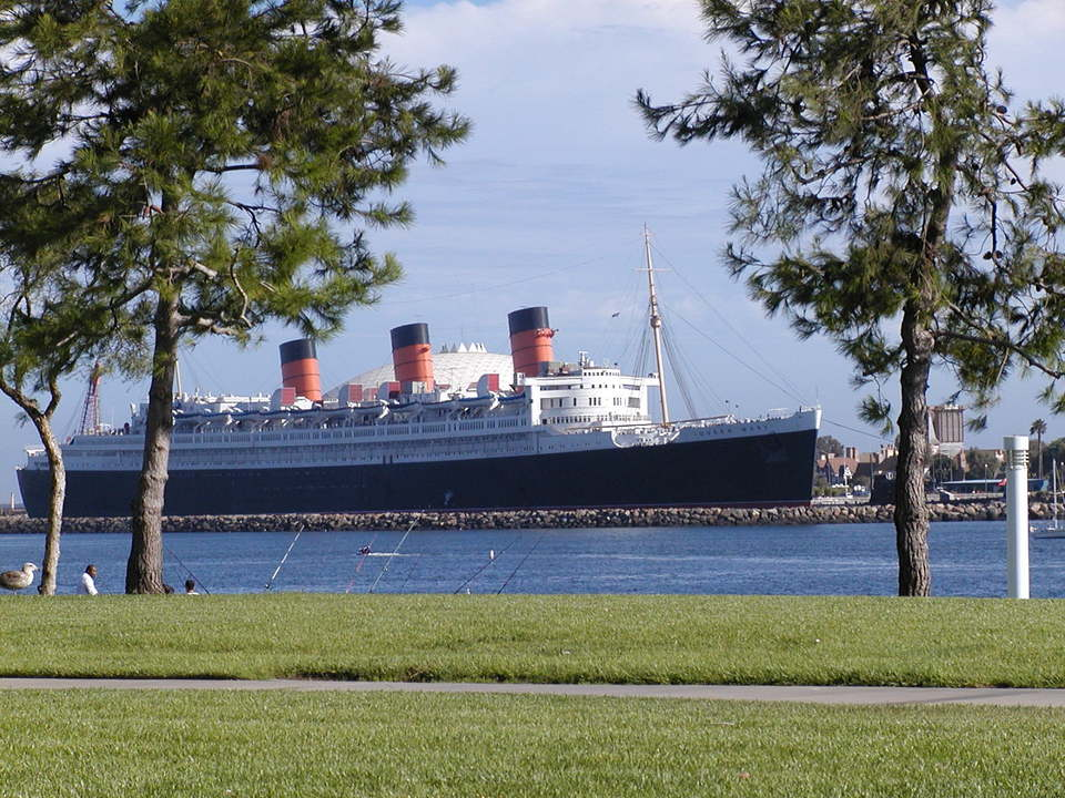 Vacation barefoot travel blog haunted hotels for Queen mary fishing report