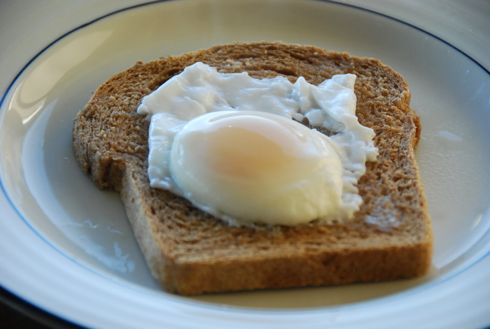 how to make poached eggs in the microwave without vinegar