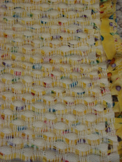 Honeycomb fabric of yellow dot strips and white bamboo yarn