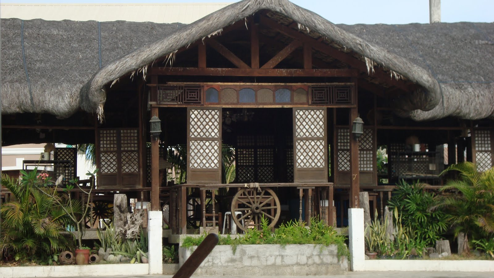 Bahay Kubo restaurant along MacArthur Highway, La Union