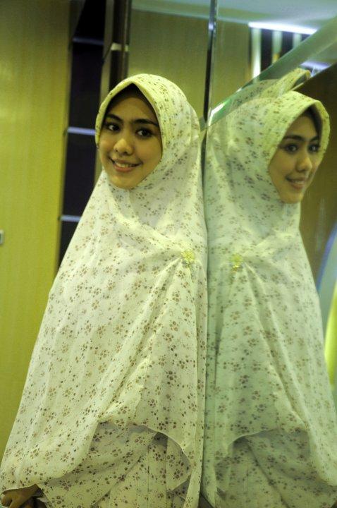 foto Oki Setiana Dewi