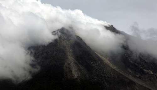 foto foto gunung merapi meletus 2010