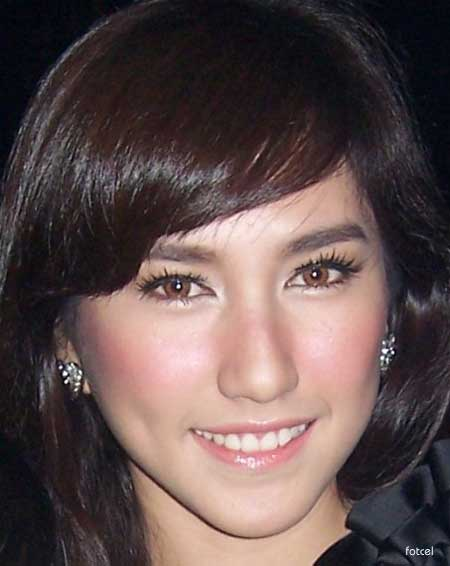 Gambar Foto Artis Cantik Louise anastasya Artis Indoensia on category ...