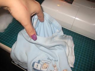 Ανακύκλωση παιδικών ρούχων - Παιδικό μαξιλαράκι!  %25CE%25BC%25CE%25B1%25CE%25BE%25CE%25B9%25CE%25BB%25CE%25B1%25CF%2581%25CE%25B9+3