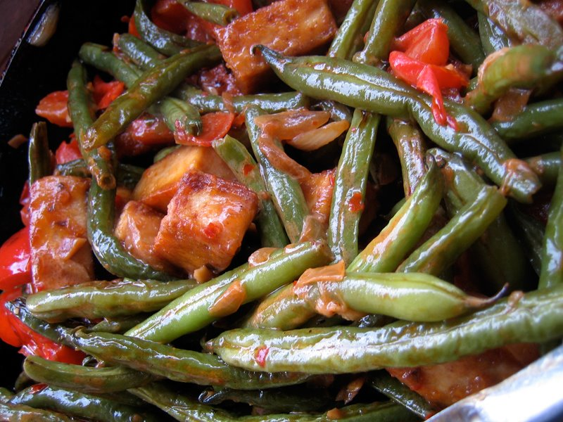the secret of great tofu: green beans & tofu in a thai coconut sauce ...