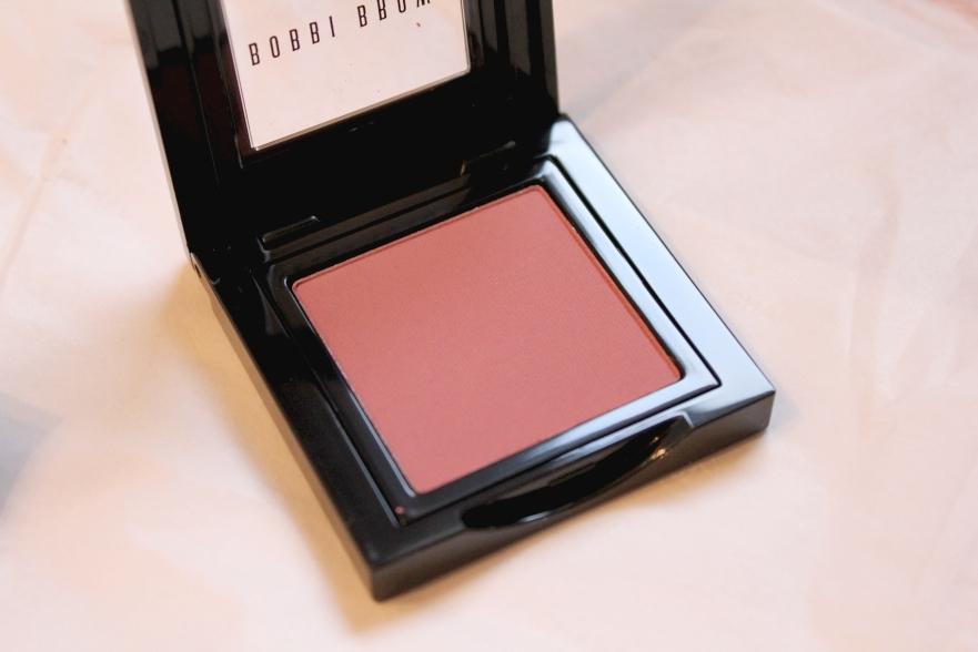 http://3.bp.blogspot.com/_T8jmzzBIK-Y/TSH-cTaeSJI/AAAAAAAAJ3E/WKUTLk-sg2g/s1600/bobbi+brown+tawny+2+blush+b.jpg