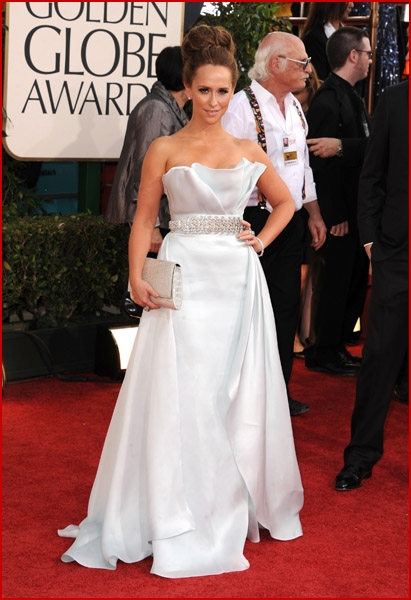 Jennifer Love Hewitt Golden Globes 2011 Red Carpet  and video