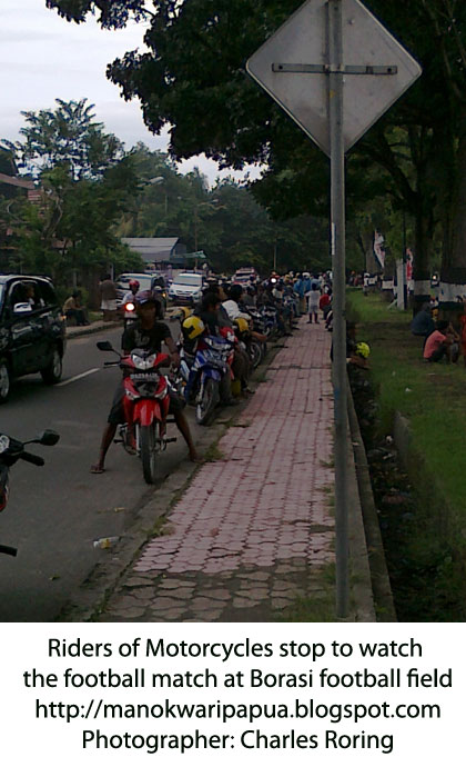manokwari single women Indonesia: religious tensions rise in west papua tuesday manokwari: trouble in with men in white robes and turbans and women in full veils rather than.