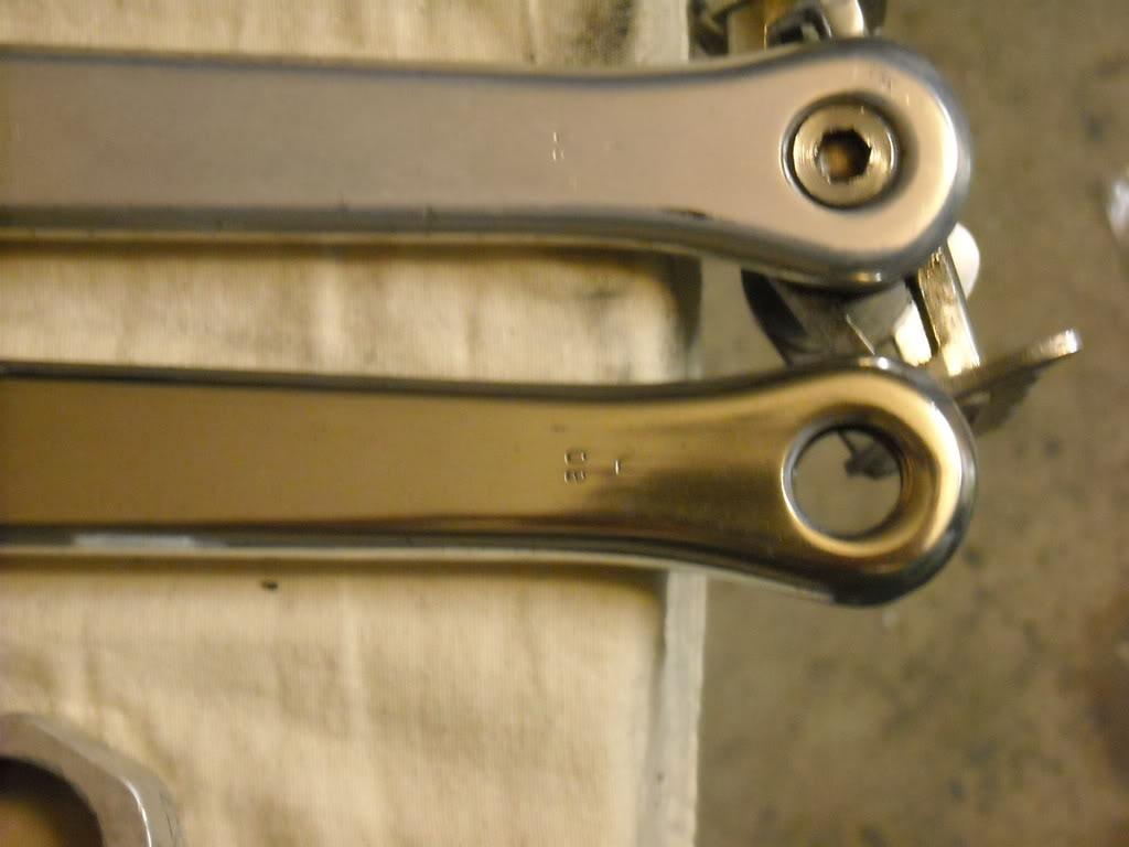 #9A8231 REPARE NA NA FOTO A SEGUIR QUE O PÉ DE VELA SUPERIOR TEM ANODIZAÇÃO  1422 Que Produto Limpar Janela De Aluminio