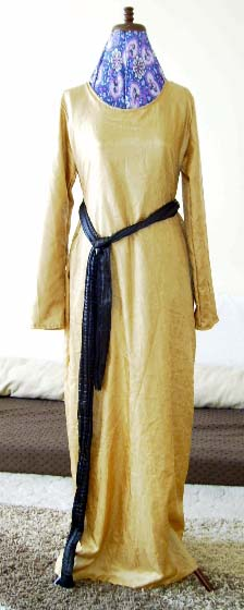 luxurious gold abaya-safia