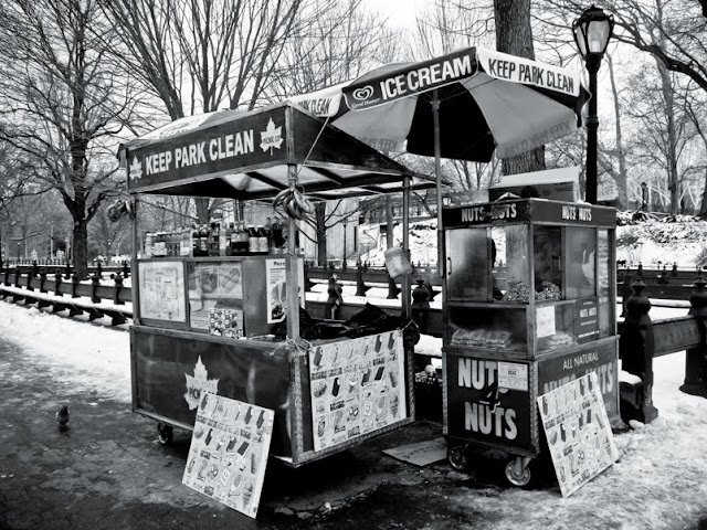 Walk In New York - Central Park - Fast Food Cart