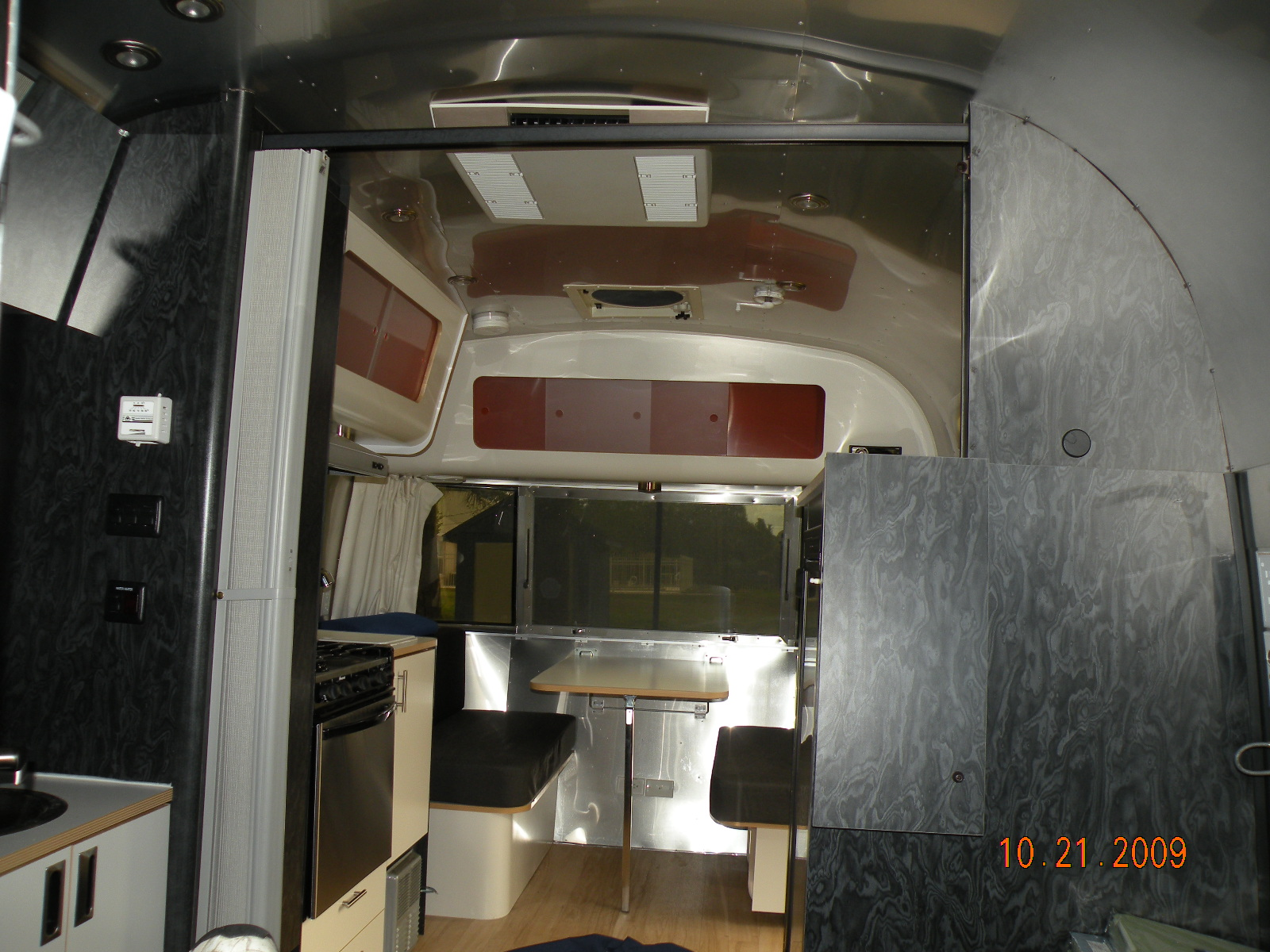 ... Bambi: For Sale 2006 Airstream Bambi 19 Foot 75th Anniversary Model