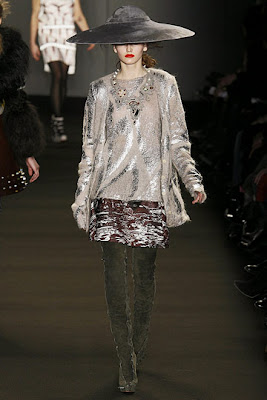 London Fashion Week – Giles AW09 Catwalking