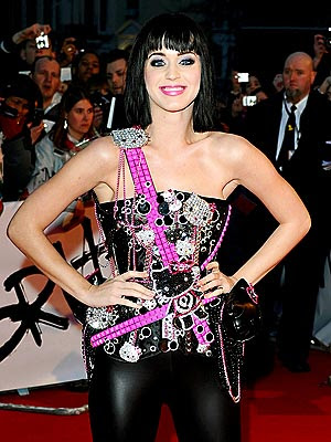 katy perry in hello kitty