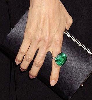 lorraine schwartz emerald ring
