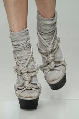 Nositi ih il' ne nositi, pitanje je sad – čarape i sandale! (?)