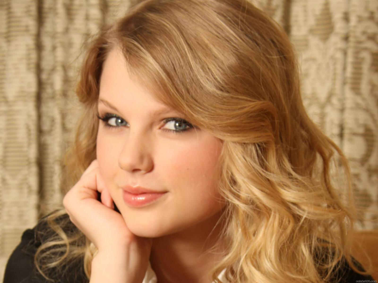 Download Free Wallpapers For Taylor Swifts New Album Speak Now
