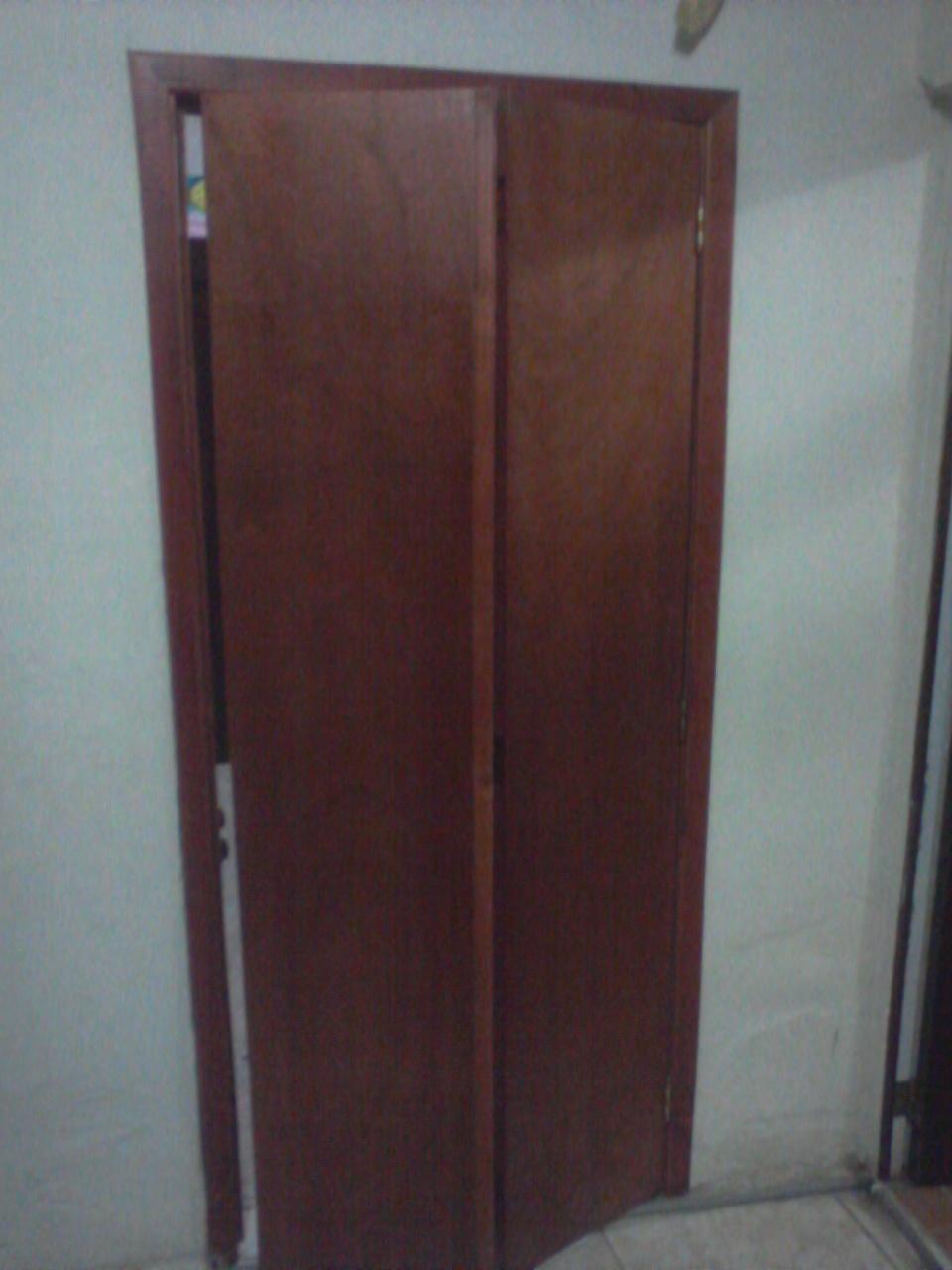 Mis trabajos en madera puerta entamborada plegable muy - Puerta plegable madera ...