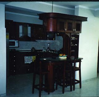 Mis trabajos en madera bar aereo y cocina empotrada en for Bar para cocina