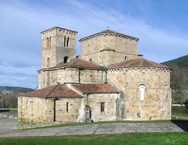 Colegiata de Santa Cruz en Castañeda