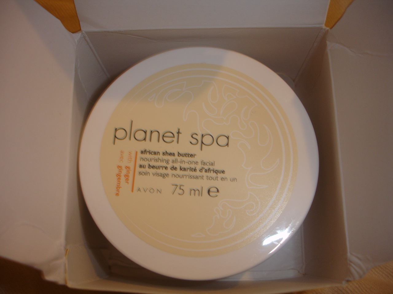 Pinch your cheeks some nice avon planet spa things for Plante salon
