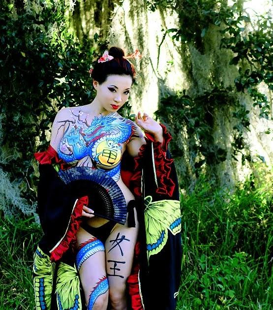 Best japanese tattoo design yakuza women who look feminine for Female yakuza tattoo