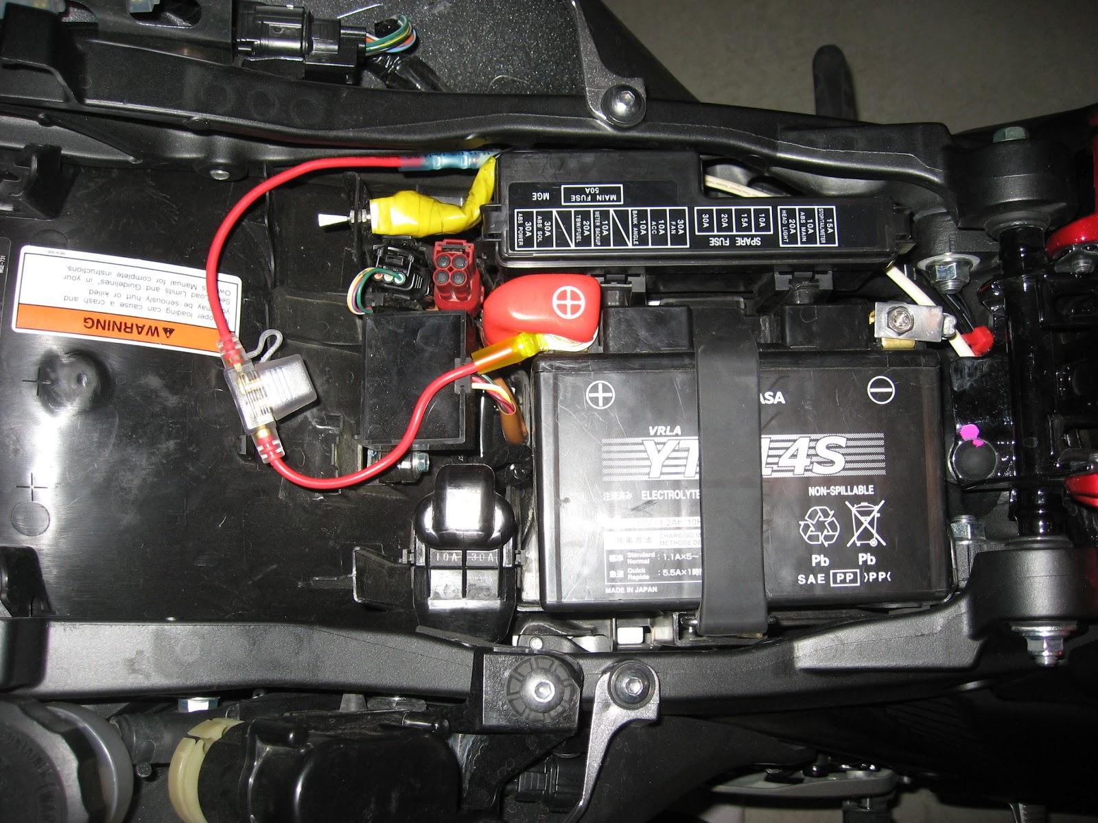 IMG_0003 honda vfr1200f weblog october 2010 rc51 fuse box location at soozxer.org