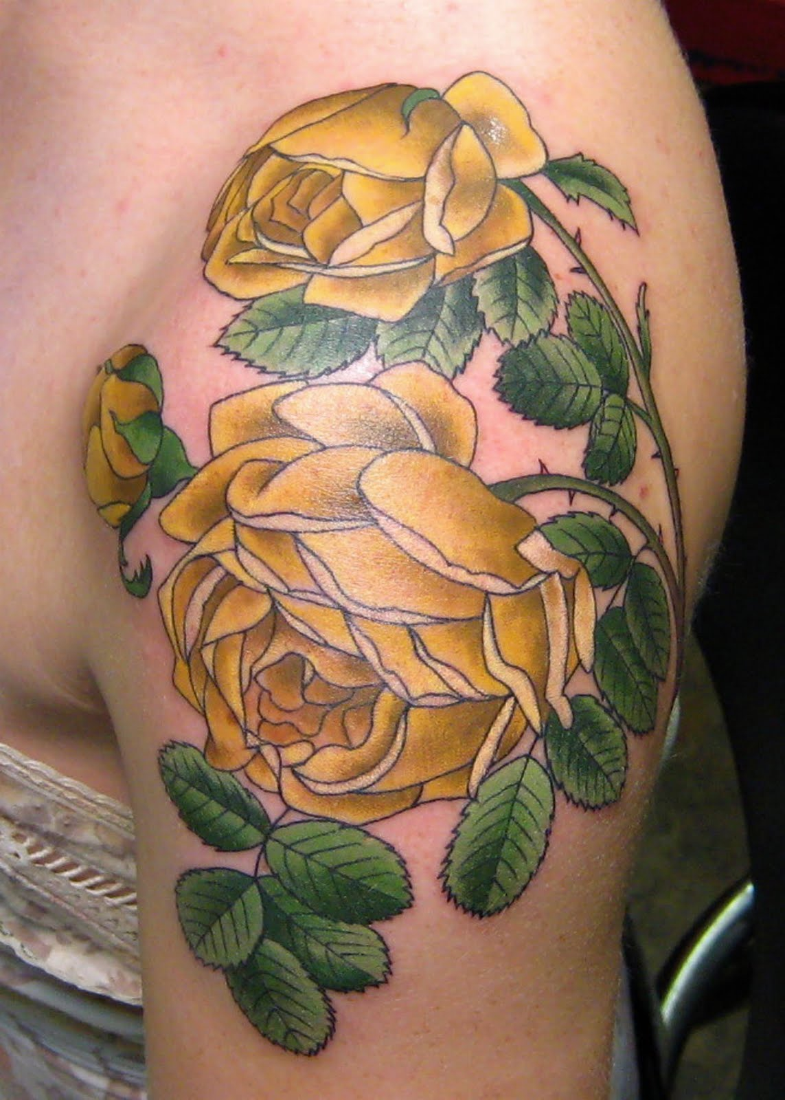 Tatuajes realismo flores for Tattoo de flores