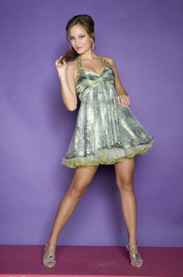 Precioso vestido de fiesta corto de color verde : Vestidos para tu ...