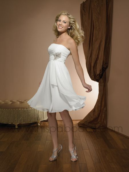 Vestidos de novia cortos y originales