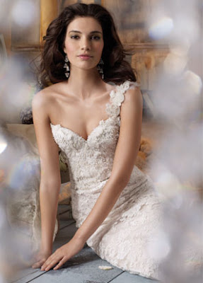 Wedding Dress - Jim Hjelm Spring 2013 Kollektion
