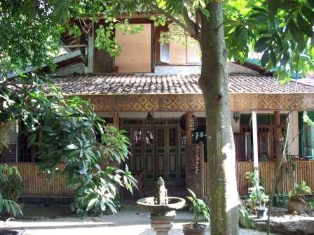 property ismono rumah classic natural dan asri 600 juta