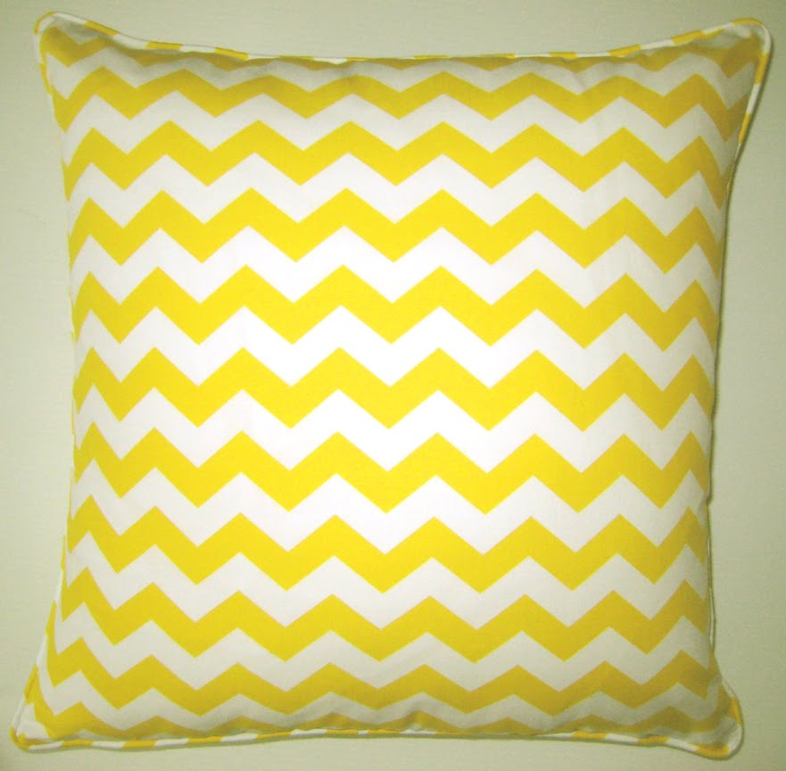 Throw Pillows Plain : Dose of Design: Love it! - Graphic throw pillow patterns