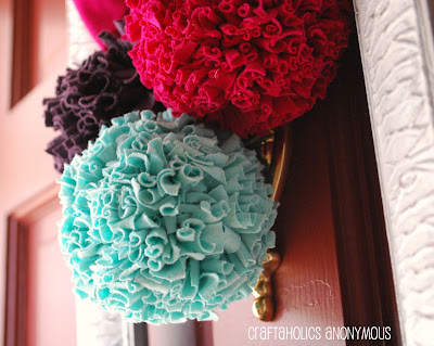 how-to-make-pom-poms