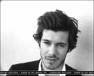 Adam Brody. Wooooo lookin good, Cohen.
