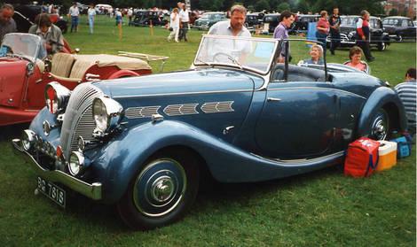 american old car triumph classic car standard triumph sports cars. Black Bedroom Furniture Sets. Home Design Ideas