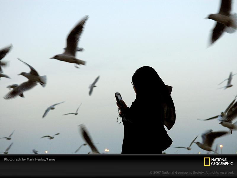 [dubai-1-muslim-woman-MHE03768UAE-sw.jpg]