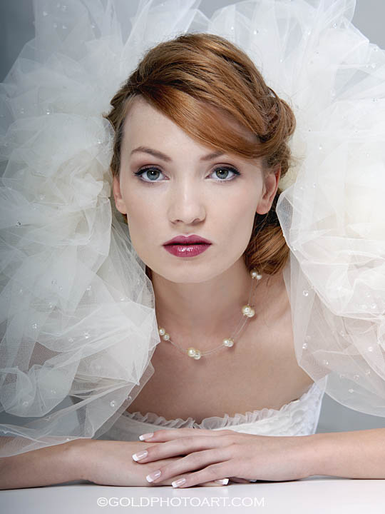 BRIDE CHIC: THE REDHEADED BRIDE
