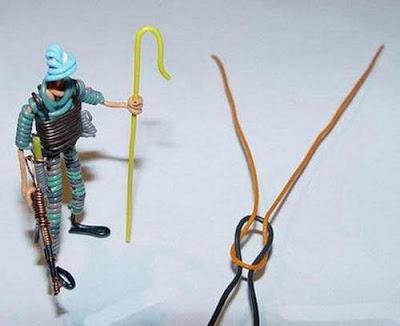 மின் வயரினால் செய்யப்பட்ட அழகான மனிதர்கள் துப்பாக்கிகள் 47143,xcitefun-wire-soldiers-11