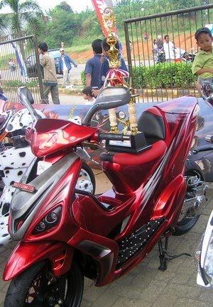 Modifikasi Motor Yamaha Mio 2010 Style Motosport Center