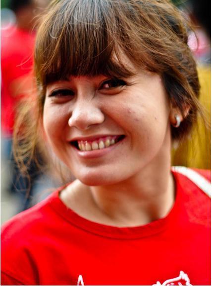 Suporter pendukung Timnas Indonesia yang berlaga di Piala AFF 2010 ...
